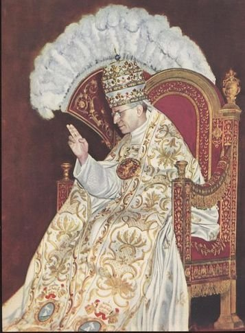 Pope_Pius_XII_sedia_gestatoria.jpg