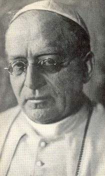 Pope_Pius_XI_1922.jpg