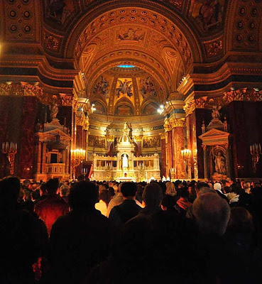 Budapest Cathedral Pascal Vigil