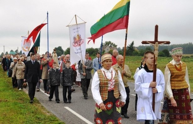 2015_TFP_Lithuania_Procession_Siluva_2015 25 Years of Action by Plinio Corrêa de Oliveira and the TFPs on Behalf of a Free Lithuania