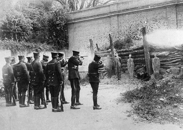 Standing erect and looking to heaven, on November 23, 1927, Luis Segura Vilchis faced with the faith and trust of a martyr the murderous bullets of his assassins.