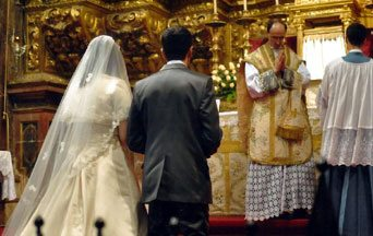 The Enduring Catholic Wedding Practices that Modernity Could Not Change