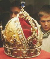 Participants view one of the crowns of the Holy Roman Empire in Vienna.