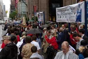 Pilgrim Virgin of Fatima Statue carried by TFP members in procession in New York
