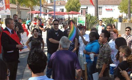 A leftist professor (center, in purple) tried to incite a counter-demonstration.