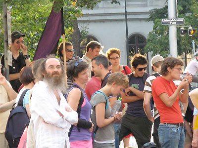 prolife_vienna_counterprotesters