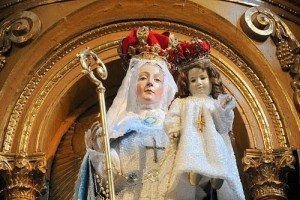 Our Lady of Good Success holding the Child Jesus