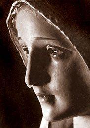 weeping-fatima-statue.jpg