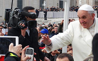 Book Shows Pope Francis Favors a Classless Society