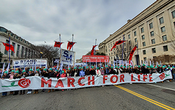 Nearly Half a Million Pro-lifers March in Washington to Defend Life!