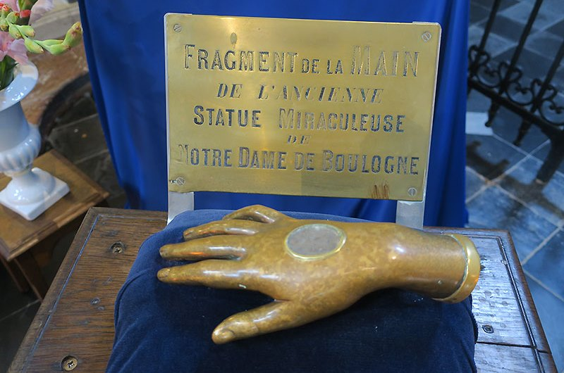 Our Lady of the Grand Return: A Story of Hope for our Times - Fragment of the hand of the miraculous statue of Our Lady of Boulogne