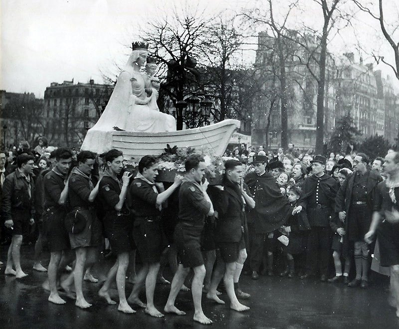 French Boy Scouts carry Our Lady of the Grand Return in Paris, 1946